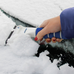 Michelin ice scraper