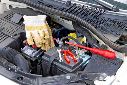 Autobatterie reparieren