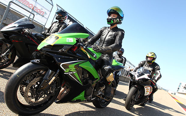 Motorradreifendirekt Track-Time 2017 Sabine Kastner Metzeler