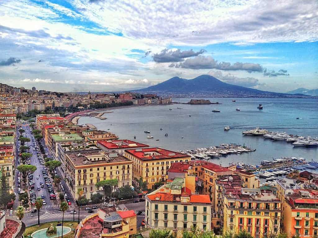 Acquista pneumatici economici a Naples online