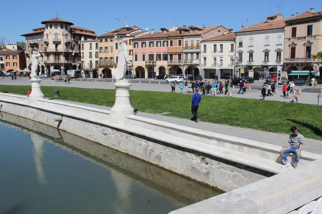 Acquista pneumatici economici a Brescia online