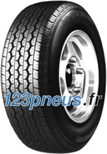 Ce pneu est un compromis idéal entre adhérence à la chaussée et résistance au roulement. Meilleures performances globales, tenue de route, kilométrage et confort améliorés.